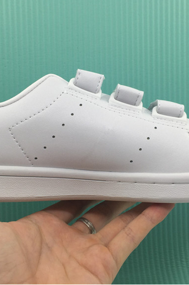 Minimal White Trainers With Velcro Straps Closure